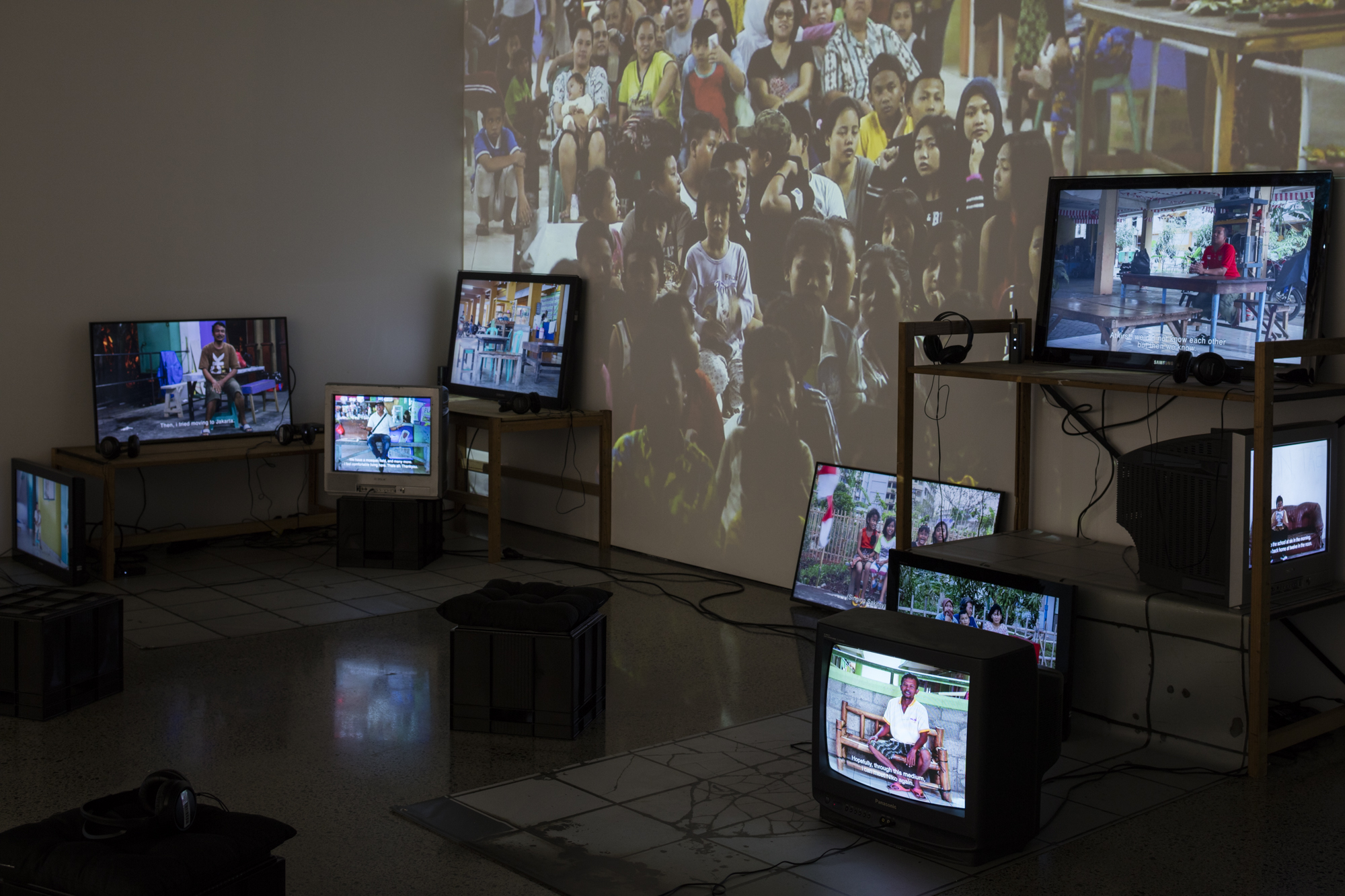 Dieneke Jansen, Marunda: Dwelling on the Stoep (2015) Video projection, duration 35:40 Nine videos on monitors, duration varies from 5:04 – 16:52